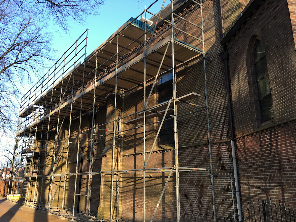 Restauratie dak St. Josepkerk begonnen
