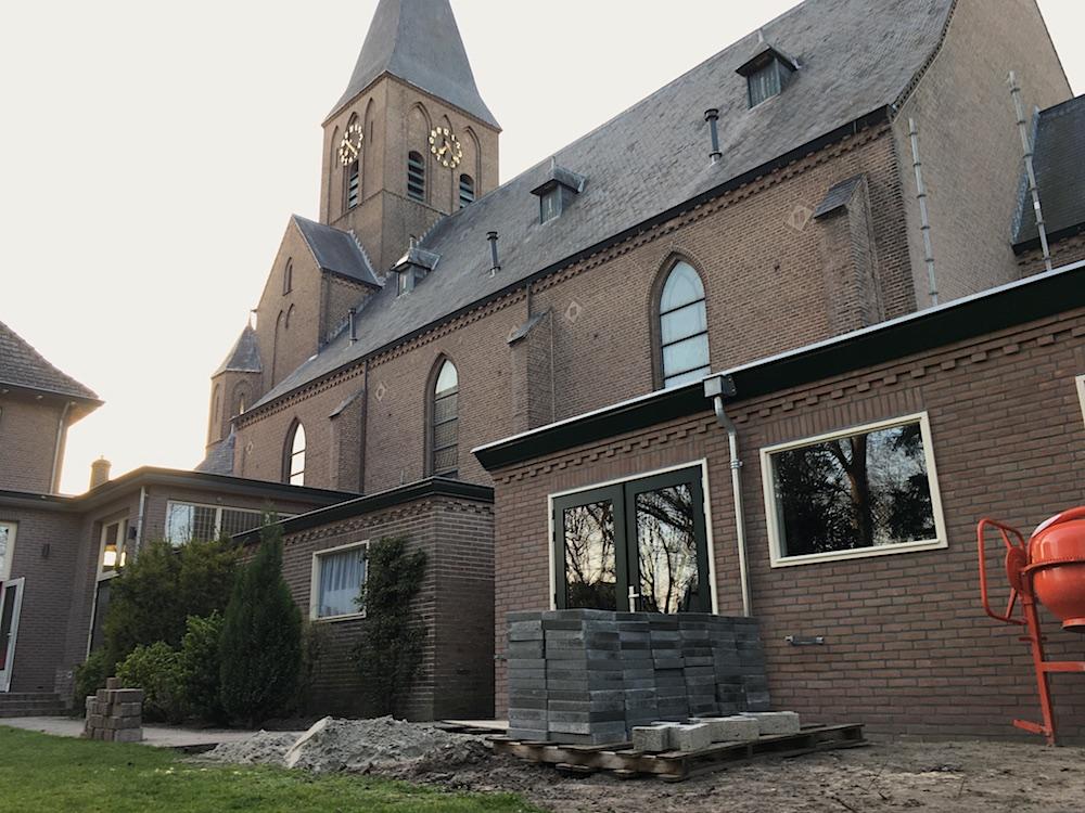 Nieuwe schuur achter de St. Josephkerk